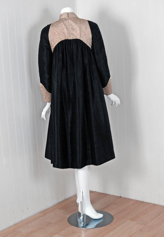 1970's Geoffrey Beene Black & Ivory Embroidered Silk Mod Babydoll Tent Dress 6
