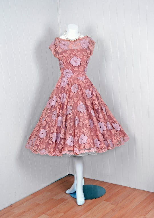 1950's Werle Baby-Pink Appliqued French Chantilly-Lace Full Party Dress 2