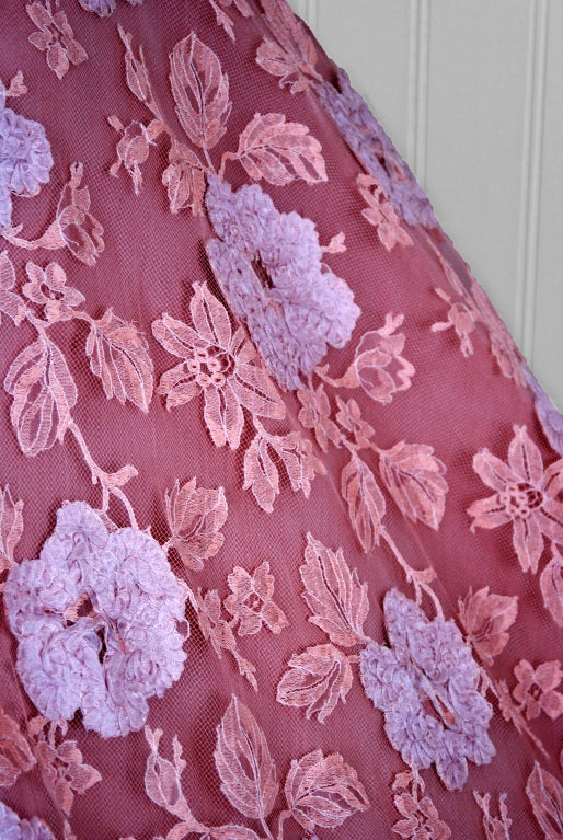 1950's Werle Baby-Pink Appliqued French Chantilly-Lace Full Party Dress 4