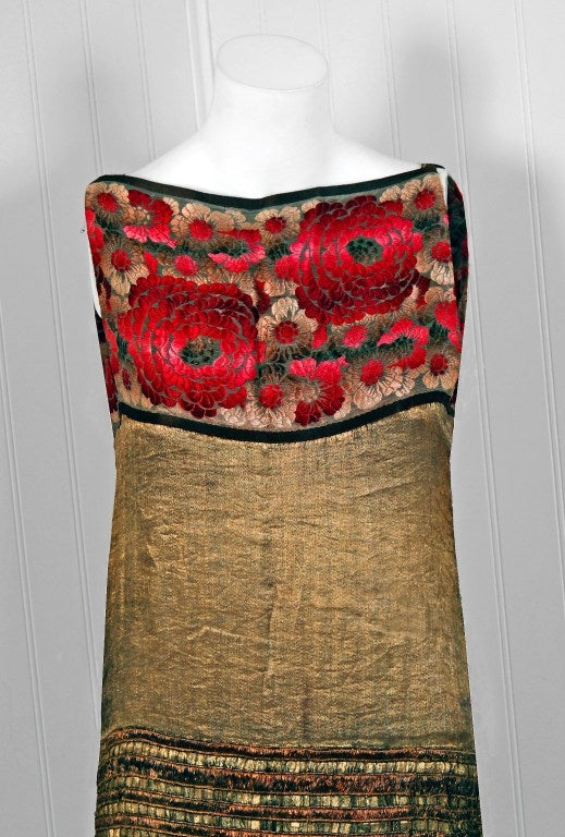 1920's Elegant French Metallic-Gold Pleated Lame Floral Drop-Waist Flapper Dress 2