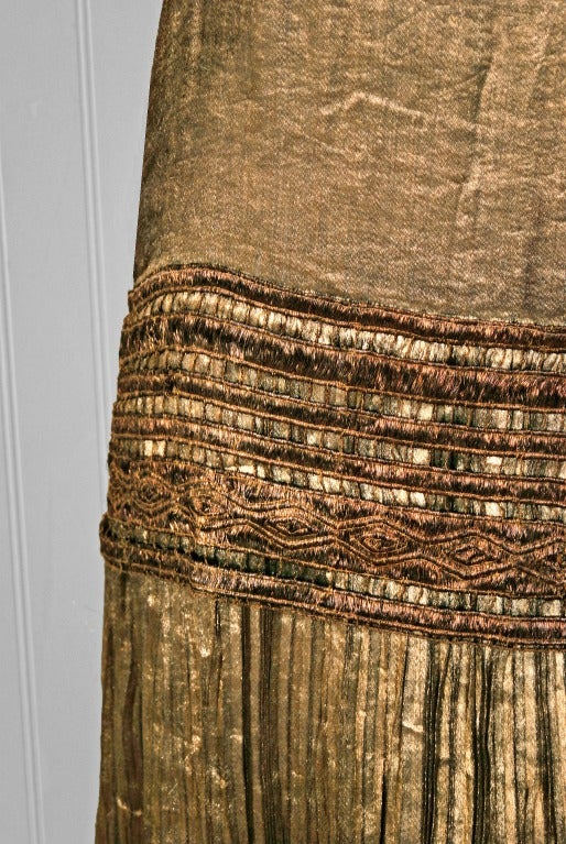 1920's Elegant French Metallic-Gold Pleated Lame Floral Drop-Waist Flapper Dress 4