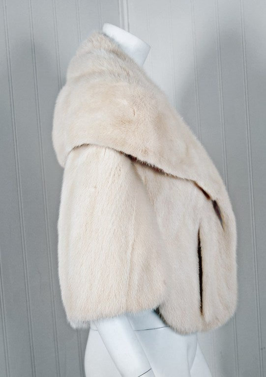 1960's Luxurious Ivory-White Mink Fur Portrait-Collar Cropped Bolero Cape Jacket 2