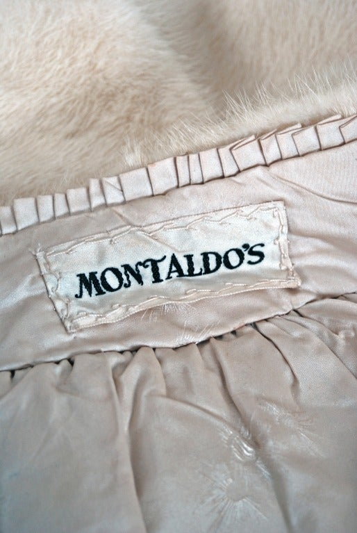 1960's Luxurious Ivory-White Mink Fur Portrait-Collar Cropped Bolero Cape Jacket 5
