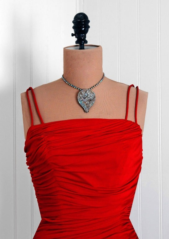 1950's Elegant Ruby-Red Ruched Jersey & Lace Tiered Full Party Dress In Excellent Condition For Sale In Beverly Hills, CA