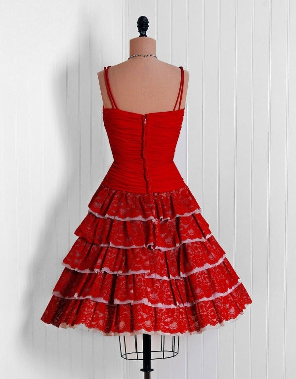 1950's Elegant Ruby-Red Ruched Jersey & Lace Tiered Full Party Dress For Sale 1