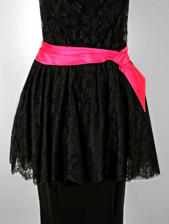 1950's Ceil Chapman Black & Pink Chantilly Lace Strapless Peplum Gown In Excellent Condition For Sale In Beverly Hills, CA