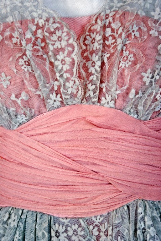 1950's Jeanne Lanvin Castillo Haute-Couture Pink Silk & Gray Lace Party Dress In Excellent Condition In Beverly Hills, CA
