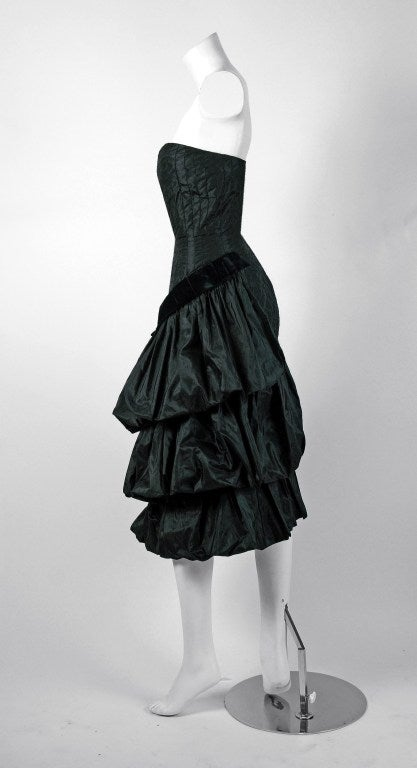 1951 Bruxelles Custom Couture Black Silk Pintuck Strapless Puff Party Dress In Excellent Condition For Sale In Beverly Hills, CA