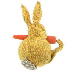 18 Karat Gold Rabbit with Carrot and Diamond Tail