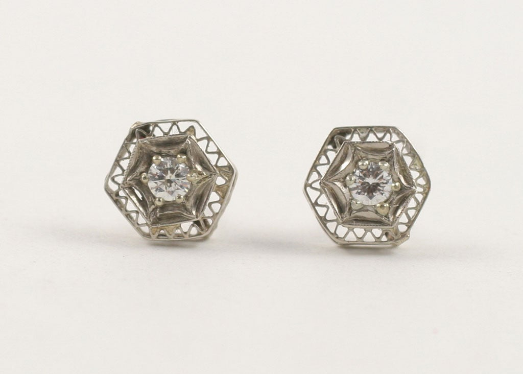 Art Deco Lace Trimmed Diamond Studs In Excellent Condition For Sale In Hastings on Hudson, NY
