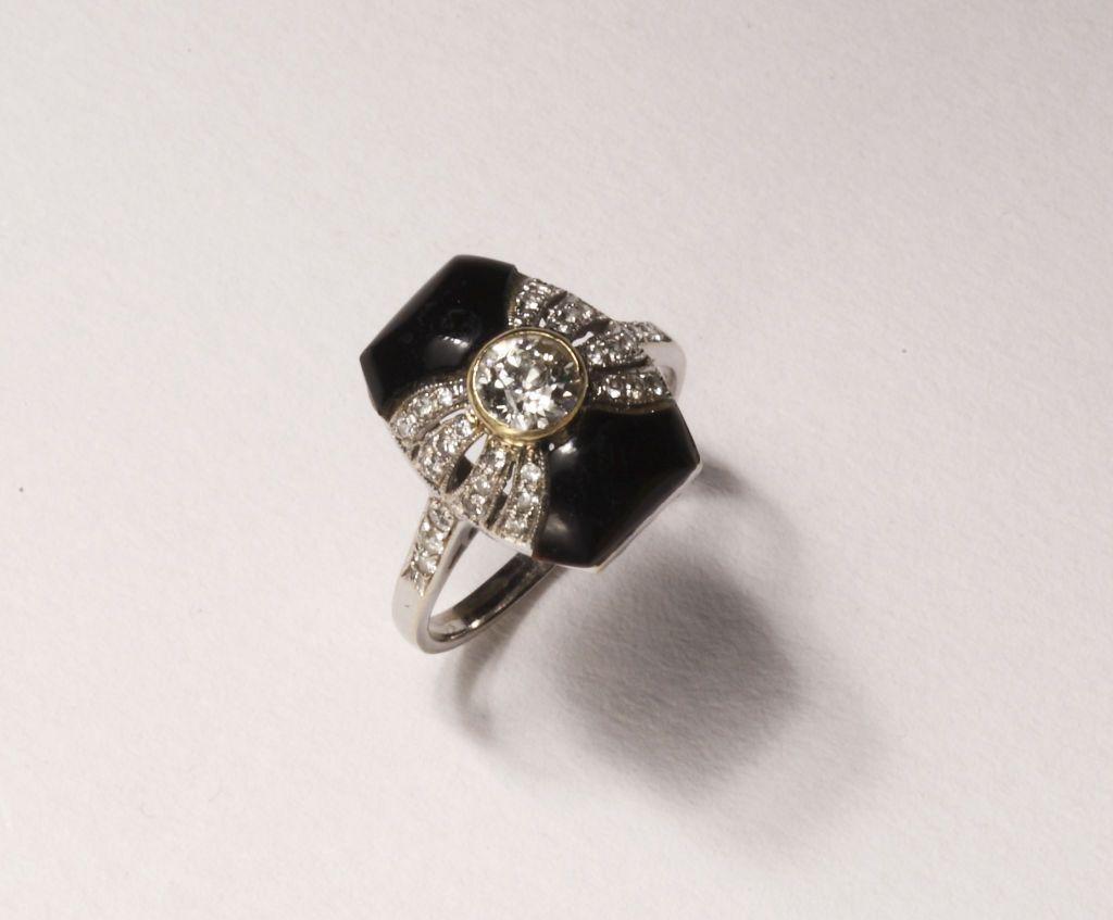 Art Deco Onyx Diamond Gold Platinum Ring 2