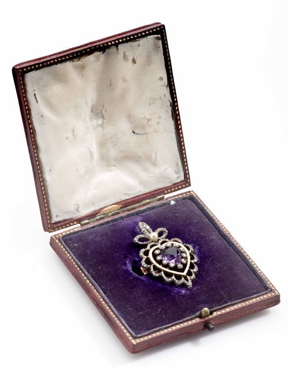 Edwardian 18 Karat Amethyst, Diamond, Natural Pearl Heart Pendant Brooch For Sale