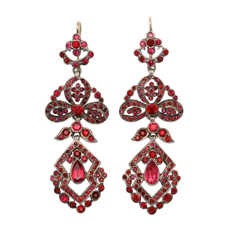Antique Edwardian Chandelier Earrings of Pink For Sale