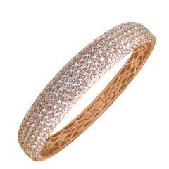 Rose gold 18kt BANGLE with Pave Diamonds
