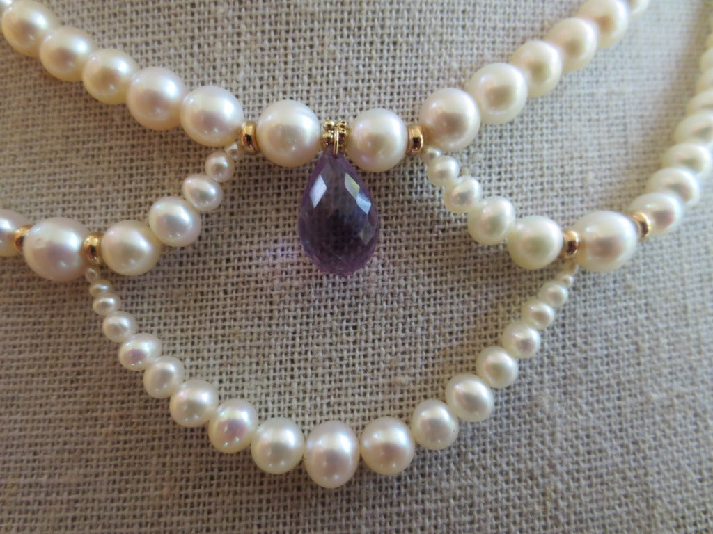 Contemporary Graduated Pearl Necklace with Amethyst Teardrop Briolette and 14k Yellow Gold For Sale