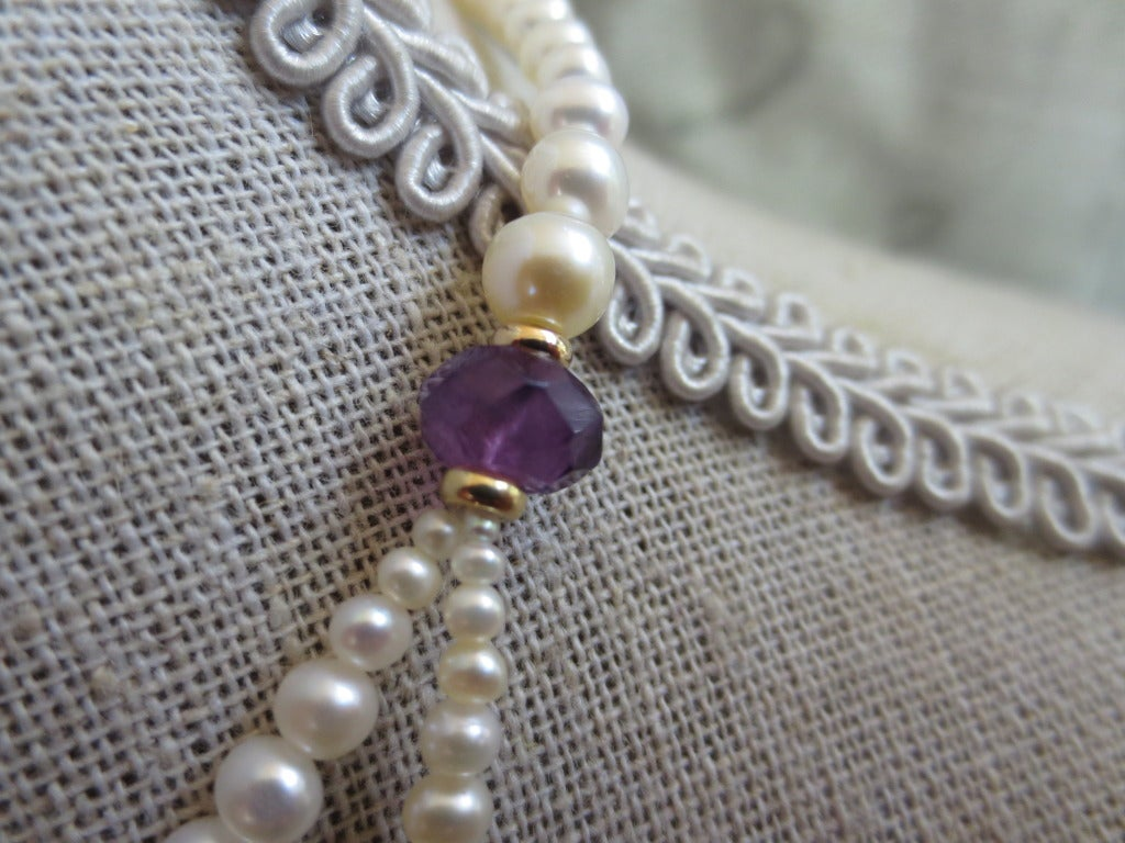 Graduated Pearl Necklace with Amethyst Teardrop Briolette and 14k Yellow Gold In New Condition For Sale In Beverly Hills, CA