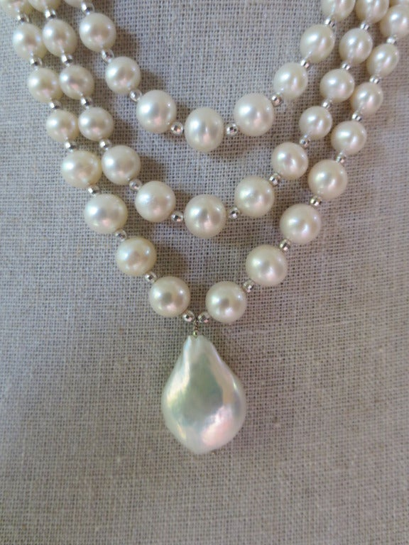 Woven Pearl Draped Choker with Sliding Clasp and Large Baroque Pearl 2
