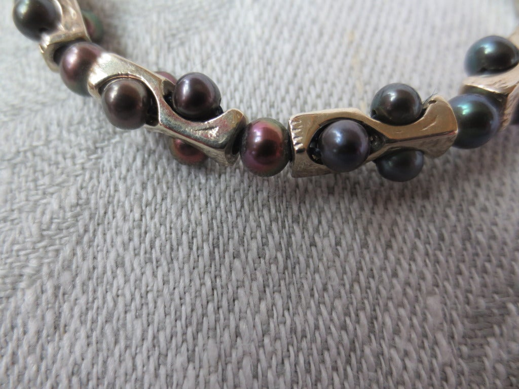 Geometric Infinity Unisex Bracelet with Black Pearls and 14k White Gold  In New Condition For Sale In Beverly Hills, CA