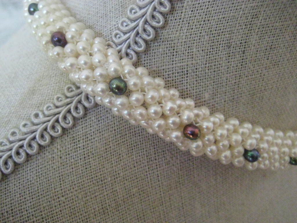"""Marina J. Woven Pearl, Black Pearl, Gold """"3d Rope"""" Necklace In As new Condition For Sale In Beverly Hills, CA"""