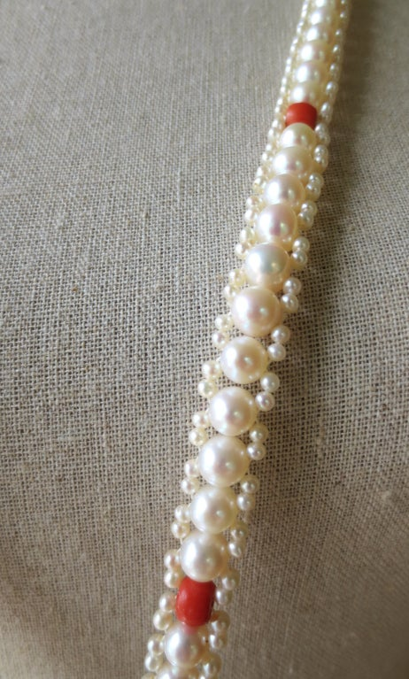 Long Woven Pearl and Coral Lariat with Large Baroque Pearl, Gold and Diamonds In As new Condition For Sale In Beverly Hills, CA