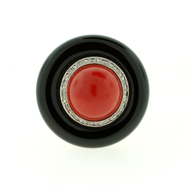 Large Diamond, Onyx & Coral Gold Ring 3