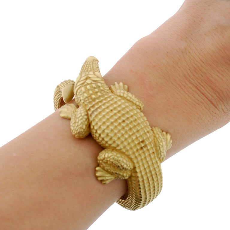 BARRY KIESELSTEIN-CORD Gold Alligator Bracelet image 8