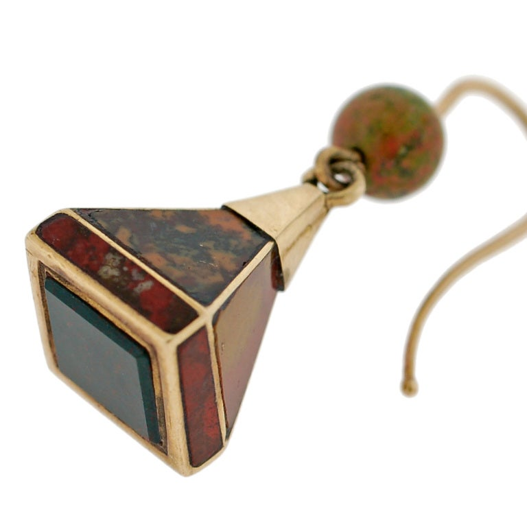 Victorian Scottish Agate Pyramidal Gold Earrings For Sale 1
