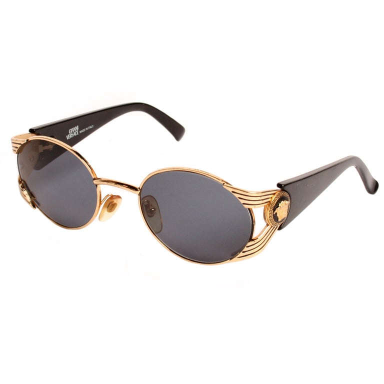 1990s versace round and gold ribbed sunglasses at 1stdibs. Black Bedroom Furniture Sets. Home Design Ideas