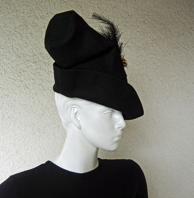 Adrian Custom Couture Exceptional Robin Hood Hat with Feather In Excellent Condition For Sale In Los Angeles, CA