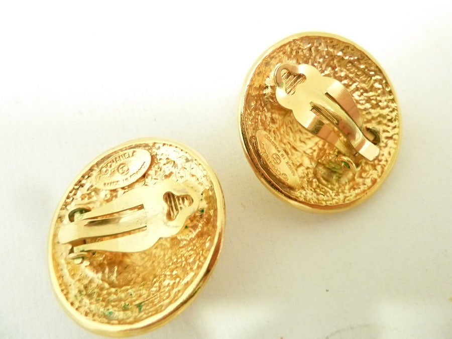 Vintage Chanel Earrings In Excellent Condition For Sale In New York, NY