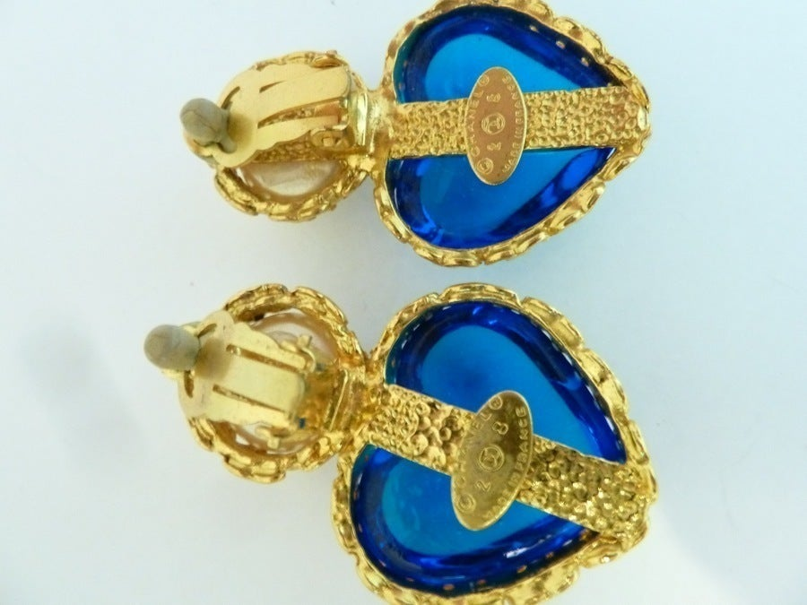 Women's Vintage Chanel 28 Gripoix Glass Heart Earrings For Sale