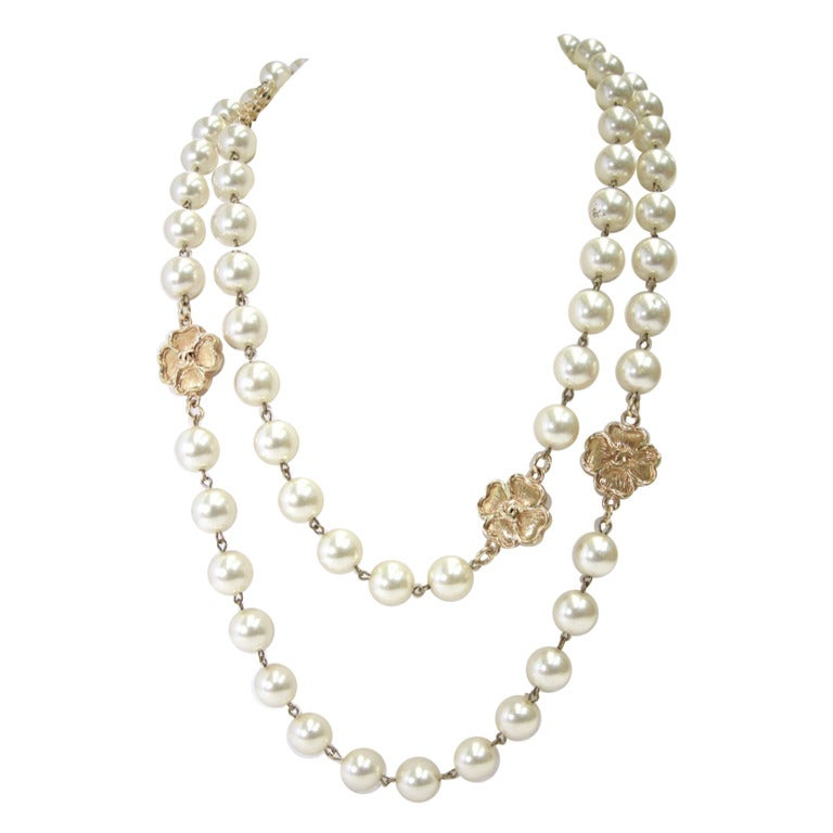 vintage chanel faux pearl sautoir necklace at 1stdibs