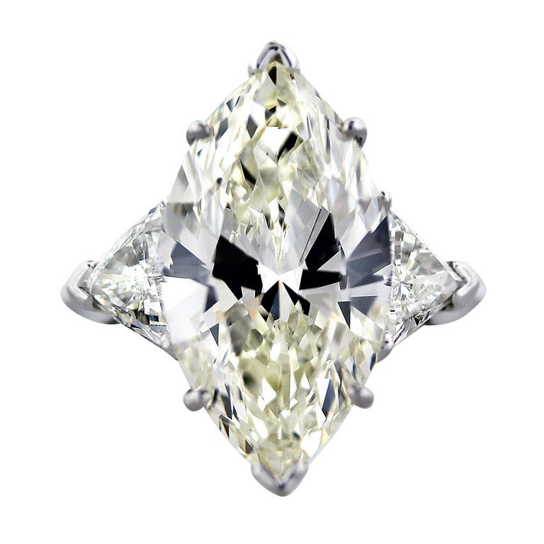 10 Carat Marquise Cut Diamond Engagement Ring with Trillions For Sale