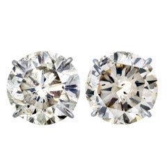 20 Carat Total Weight Round Diamond Stud Earrings