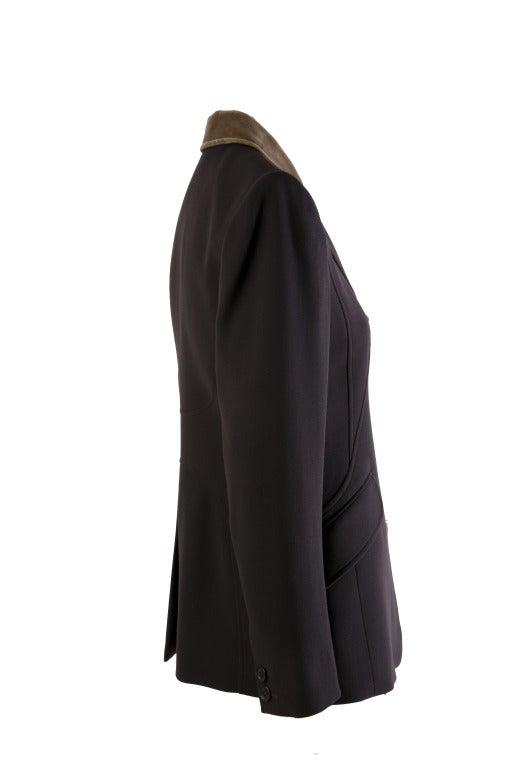Women's Hermes Vintage Dark Brown Wool Blazer with Velvet Collar Size 38 For Sale