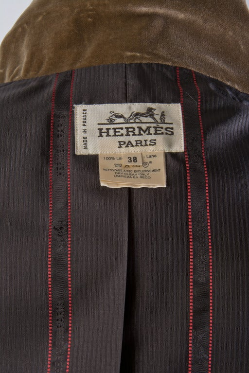 Hermes Vintage Dark Brown Wool Blazer with Velvet Collar Size 38 For Sale 2