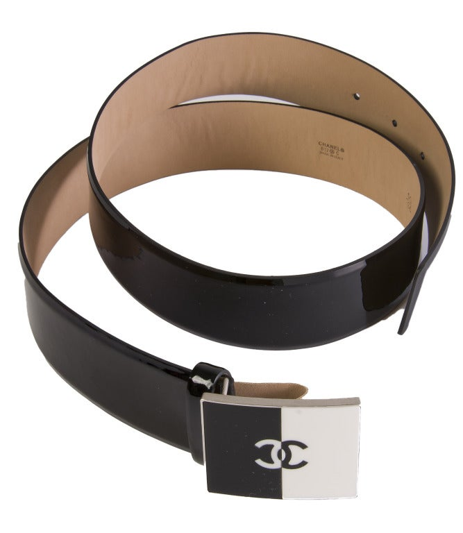 new chanel black patent leather belt w black and white