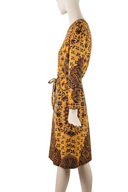 1960's Goldworm Brown & Gold Print Long sleeve Dress Size 16 In Excellent Condition For Sale In Boca Raton, FL