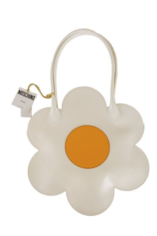 New Moschino Leather Daisy Purse-VERY RARE image 3