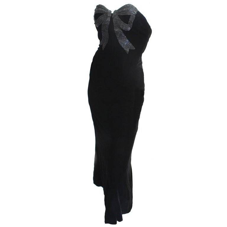 80s Oscar de la Renta Velvet Column Gown w/Beaded Bow 1