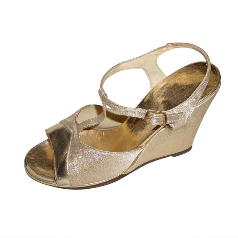 1970s gold platform shoes 7 b qualicraft at 1stdibs
