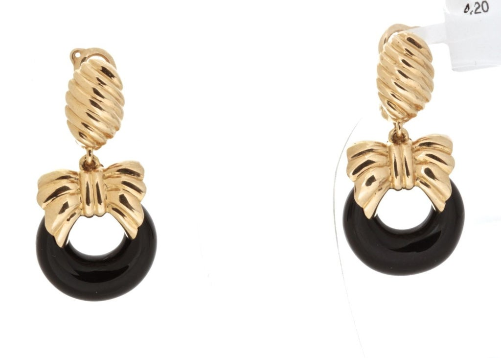 VAN CLEEF & ARPELS Onyx Cobalt Gold Earrings image 2