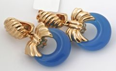 VAN CLEEF & ARPELS Onyx Cobalt Gold Earrings thumbnail 6