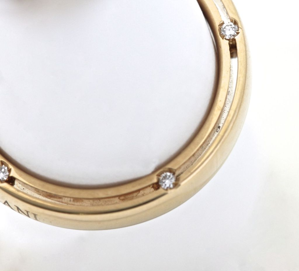 DAMIANI 10 Diamond Gold Unity Ring In New Condition For Sale In Los Angeles, CA