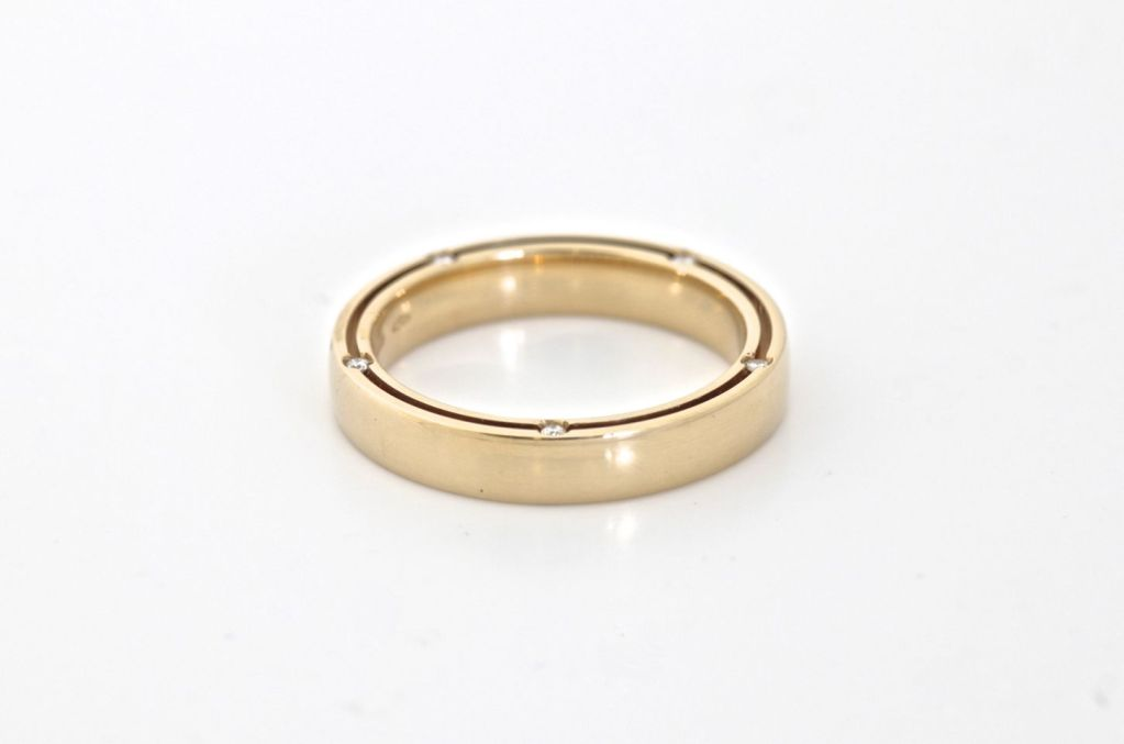 DAMIANI 10 Diamond Gold Unity Ring For Sale 3