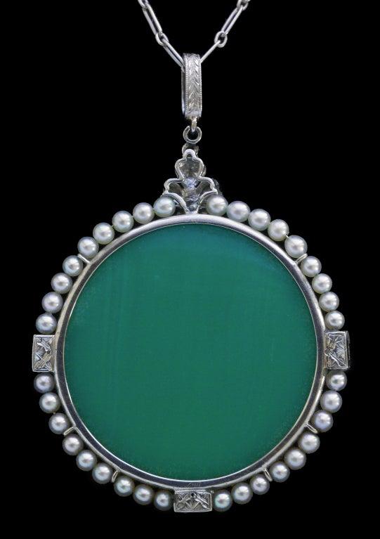 Edmond-Henri Becker Belle Époque Pâte de Verre Diamond Pearl Platinum Pendant In Excellent Condition For Sale In London, GB