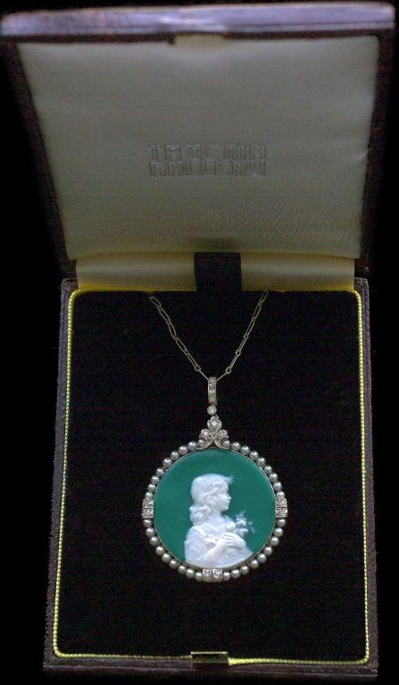 Edmond-Henri Becker Belle Époque Pâte de Verre Diamond Pearl Platinum Pendant For Sale 1