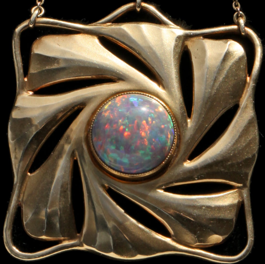 Paul Peter Pfeiffer Fine Secessionist Opal Gold Necklace In Good Condition For Sale In London, GB