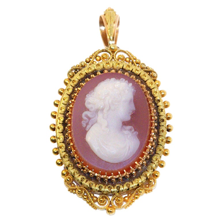 Victorian Antique Cameo And Gold Pendant Brooch At 1stdibs