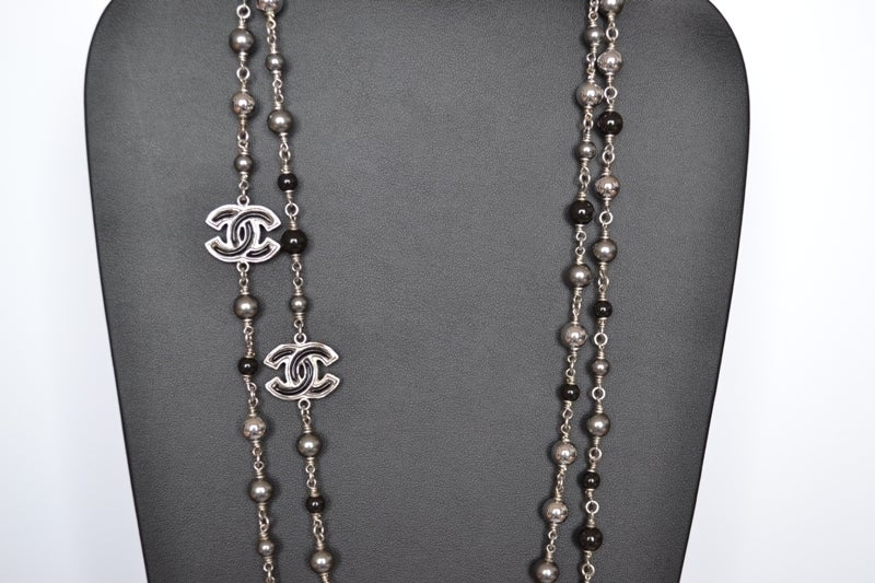 Chanel necklace Sautoir Pearls image 4